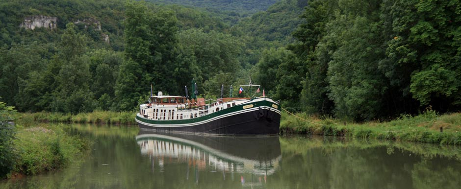 Saroche moored near Pont de Pany
