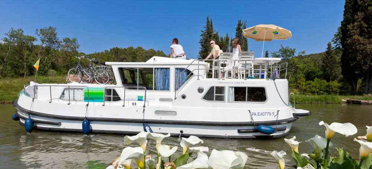 Locaboat self-drive rentals