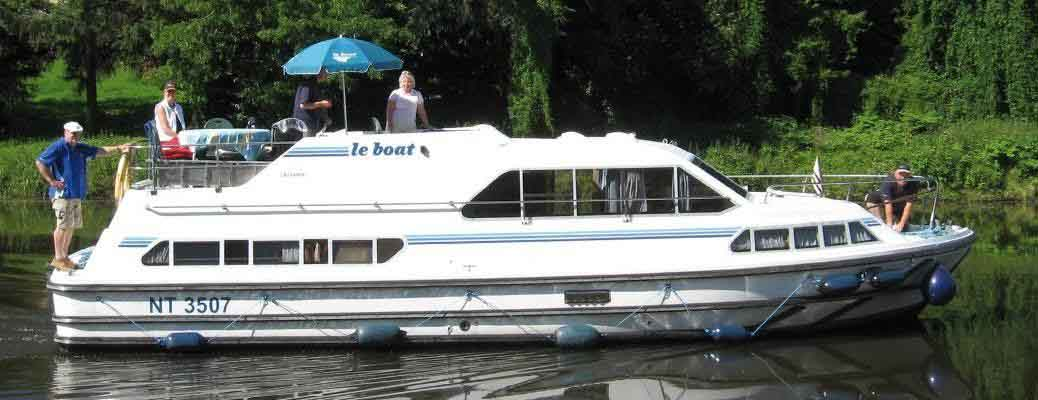 Self-drive canal & river boat rentals in Burgundy