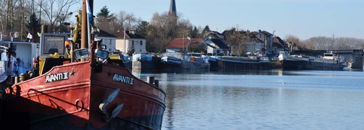 Barges moored in Saint Jean de Losne